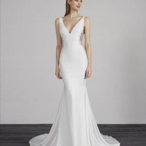 Pronovias Estilo Wedding Dress