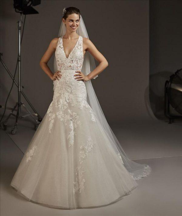 Pronovias Fay Wedding Dress