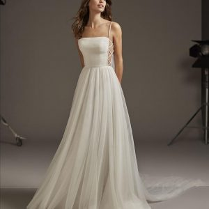 Pronovias Volans Wedding Dress